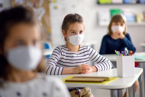Distribución de máscaras entre o alumnado