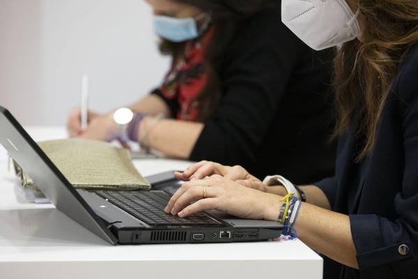 Enquisa sobre o coñecemento e manexo das mulleres no ámbito das TIC